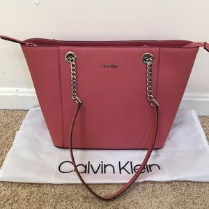 NWT! Calvin Klein saffiano leather Zippered tote